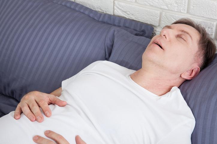 수면무호흡증 수술해봐야 재발 잦다? 효과적인 치료법