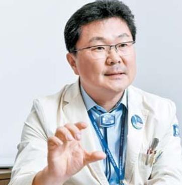 """""""경험 많은 의료진과 첨단 장비, 우리 병원의 암 치료 경쟁력"""""""